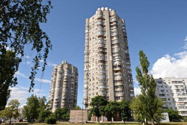 Boligkomplekset 'Obolon' i Kiev, Ukraine, opført i 1981. Fotograf: Sam Glover.