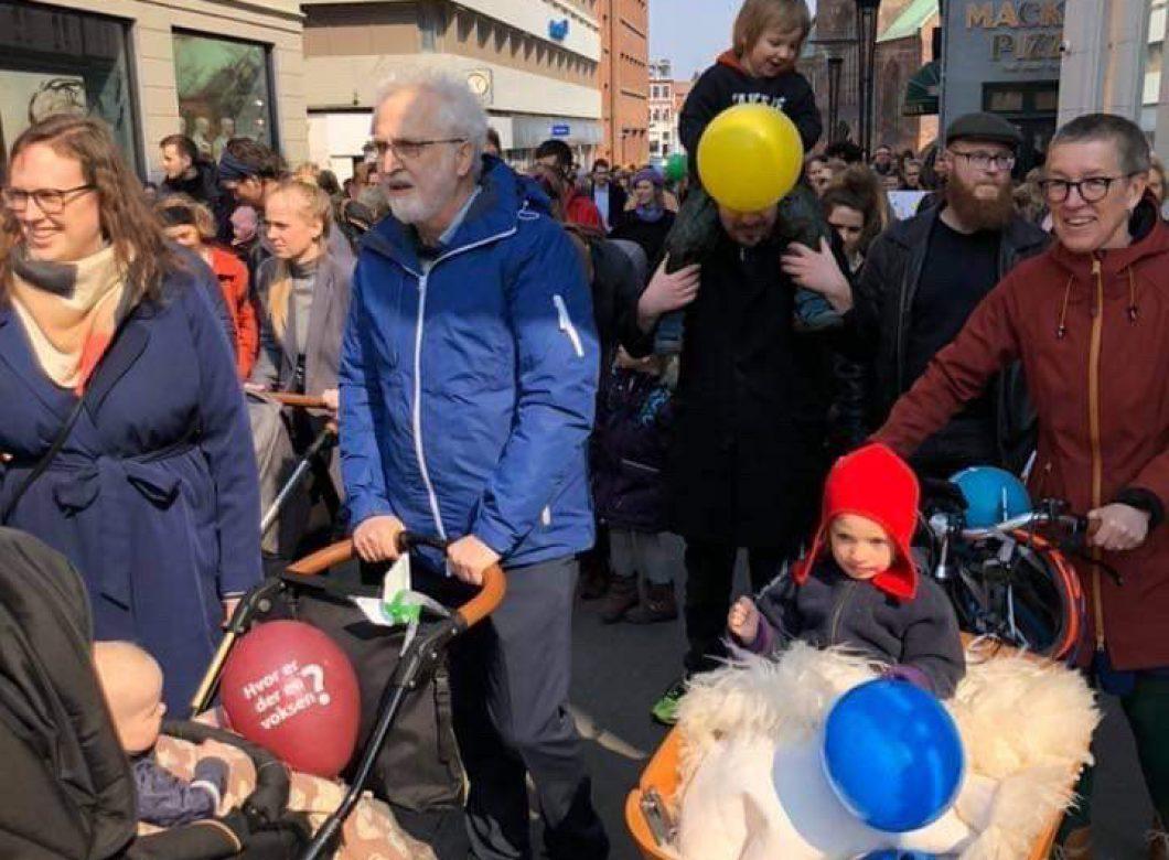 Laila Lauridsen med resten af familien til demonstration for minimumsnormeringer i Aarhus, 2019. Fotograf: Mette Bjerre.